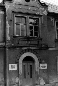 Budova základní školy - historická fotografie